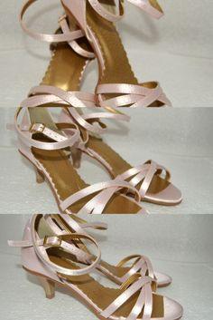 Svetloružové svadobné sandálky na nízkom opätku už od veľkosti 32 navrhnite a upravte si ich podľa seba s opätkom i bez neho - výber necháme na Vás. požiadajte o vizuálny návrh zdarma Sandals, Shoes, Fashion, Shoes Sandals, Zapatos, Moda, Shoes Outlet, La Mode, Shoe