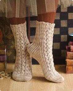 Free sock pattern on Vogue Knitting.