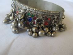 Etsy listing at http://www.etsy.com/listing/150449625/vintage-gypsy-hippie-bellydance-hinged