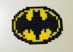 Batman Perler Bead Symbol. $4,00, via Etsy. Melty Bead Patterns, Perler Patterns, Beading Patterns, Beading Ideas, Perler Bead Designs, Perler Bead Disney, Fusion Beads, Melting Beads, Family Crafts
