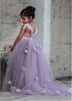 2017 New Lavender Party Formal Flower Girl Dress Princess Pageant Gowns Flower Square Royal Train Kids TuTu Skirts for Weddings Lavender Flower Girl Dress, Purple Flower Girls, Princess Flower Girl Dresses, Cheap Flower Girl Dresses, Dresses Kids Girl, Girls Party Dress, Purple Dress, Cheap Dresses, Dress Girl