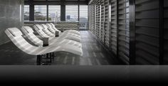 Armani Hotel Milano is one of Fodor's pick for City Chic hotel and best for spa, bar & restaurant. Check out all the Hotel Award winners Spa Luxe, Luxury Spa, Luxury Hotels, Luxury Travel, Spa Interior, Interior Design, Armani Hotel Milan, Spas, Hotel Milano
