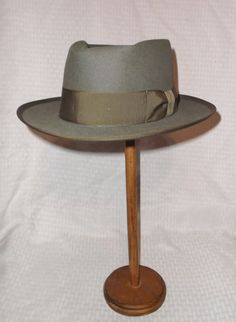 Vintage Royal Stetson Whippet Hat Gray by MyVintageHatShop Men's Vintage, Vintage Fashion, Stetson Fedora, Top To Toe, Thing 1, Whippet, Hats For Men, Grosgrain, Brown Leather