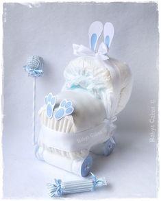 Cadeau de naissance mini landau de couches lapin bleu