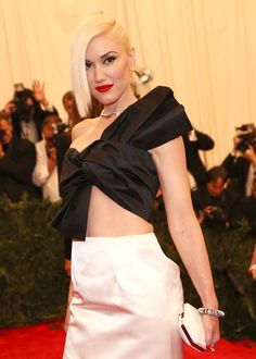 Gwen Stefani  See if LAdy Gaga wasnt so brain dead, she could look like this. Mrs. Stefani is unique in style and hot as the days sun.