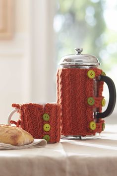 Bernat® Harvest Home Coffe Cozies #harvesthome #knit #pattern