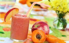 Le 10 bevande fredde salutari e gustose - Ecco alcune bevande fredde salutari e gustose per l'estate: frullato al kiwi, all'ananas, tè verde, latte vegetale, bevanda di semi di lino e cumino.