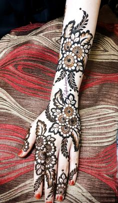 Simple Mehndi Designs Fingers, Back Hand Mehndi Designs, Full Hand Mehndi Designs, Mehndi Designs Book, Mehndi Designs 2018, Modern Mehndi Designs, Mehndi Designs For Beginners, Mehndi Designs For Hands, Henna Flower Designs