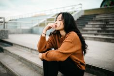 Thinking Pose, Thinking Day, Portrait Robot, Patient Person, Breaking Up With Someone, Long Relationship, Narcissistic Abuse, Negative Thoughts, Asian Woman