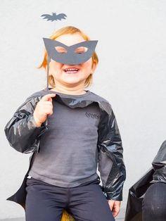 Last Minute Halloween_Fledermaus Maske Last Minute, Halloween Kostüm, Batman, Superhero, Hoodies, Movie Posters, Fictional Characters, Blitz, Vampire Costumes