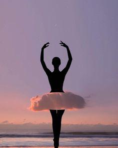 Cet artiste joue avec les nuages dans des photomontages très créatifs Cloud Photos, Sunset Photos, Photomontage, Photo Ciel, Lan Nguyen, Colorful Clouds, Montage Photo, Best Sunset, Black Silhouette