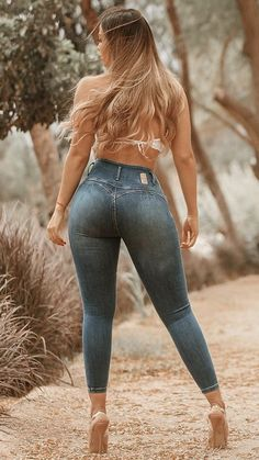Beautiful Legs, Gorgeous Women, Denim Fashion, Girl Fashion, Hot Girls, Sexy Legs And Heels, Curvy Jeans, Blonde Beauty, Bikini