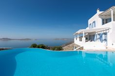 Villa Florencia is a pretty Greek villa in Mykonos that offers the ultimate luxury Greek holiday experience! Unique Architecture, Luxury Holidays, Mykonos, Vacation Destinations, Villas, Good Times, Seaside, Natural Beauty, Greek
