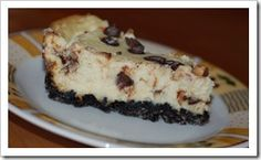A bit of an oldie but a goodie, here's an easy recipe for chocolate chip cheesecake. | Craftulous.com