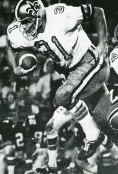 New Orleans Saints - Jim Taylor - Inducted to Pro Football Hall of Fame in 1976 - Played for Saints 1967