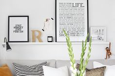 STYLIZIMO BLOG: Living room details - picture ledge