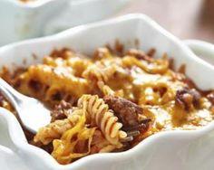 Gratin de pâtes à la viande hachée et tomates en mini cocottes : http://www.fourchette-et-bikini.fr/recettes/recettes-minceur/gratin-de-pates-la-viande-hachee-et-tomates-en-mini-cocottes.html