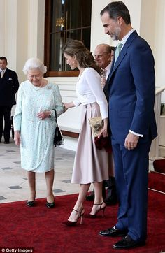 Queen Elizabeth II of Great Britain and Prince Philip with Queen Letizia and King Felipe VI of Spain