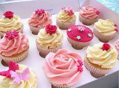 O Ganache Colorido em Ponto de Bico vai deixar os seus bolos, bolos de pote e cupcakes muito mais charmosos. Confira! Veja Também: Ganache de Chocolate Bra
