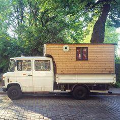 photo by by polerstuff Custom Camper Vans, Custom Campers, Diy Camper, Truck Camper, Mercedes Camper, Mercedes Van, Utility Truck, Mini Bus, Bus Life
