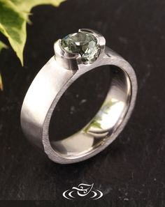Be a part of your own ring design! Start from scratch, and draw out the ring…