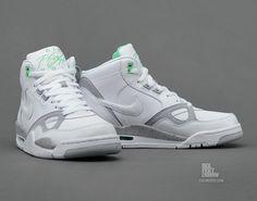 Nike Flight 13 Mid; White/Stadium Grey/Poison Green