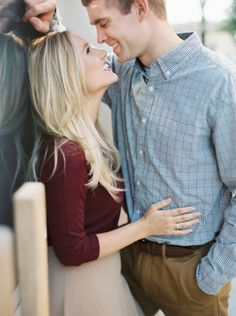 So cute: http://www.stylemepretty.com/little-black-book-blog/2015/04/16/preppy-st-louis-engagement-session/ | Photography: Untamed Heart - http://untamedheartphotography.com/