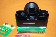 ASAHI PENTAX auto110 superボディー& 20-40mm F2.8 ZOOMレンズ付き・ 一眼レフカメラ1983年式 - ぱれっとストア ◎ Palette Store Walkie Talkie