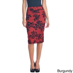 When you need a chic, super cute look, choose this beautiful pencilskirt to complete your outfit. Featuring a classic pencil line, agreat selection of beautiful colors, and a feminine floral print,thi