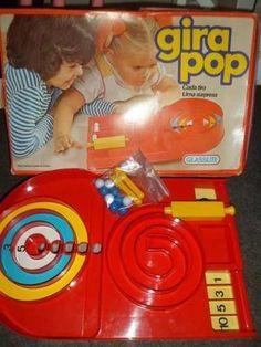 Este arremedo de máquina de pinball popularmente conhecido como GiraPop. | 20 brinquedos que você desejou demais nos Natais passados