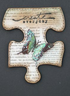 Michelle's Scrap bits: A Puzzling Situation! So fun to embellish scrapbook p… – 2019 - Scrapbook Diy Michelle's Scrap bits: A Puzzling Situation! So fun to embellish scrapbook p 2019 Michelle's Puzzle Piece Crafts, Puzzle Art, Puzzle Pieces, Puzzle Frame, Altered Books, Altered Art, Altered Tins, Borboleta Diy, Tarjetas Diy