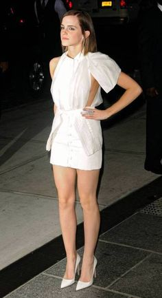 Dresses Look your best at the MyFashion! Planning your big night out is easy with Emma Watson dresses, get party perfect! While other celebrities dressed up Emma Watson Legs, Emma Watson Hot, Ema Watson, Emma Watson Style, Emma Watson Beautiful, Emma Watson Sexiest, Emma Watson See Through, Gina Weasley, Manequin
