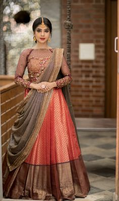 Gown Party Wear, Party Wear Indian Dresses, Designer Party Wear Dresses, Party Wear Lehenga, Indian Gowns Dresses, Indian Bridal Outfits, Dress Indian Style, Indian Fashion Dresses, Half Saree Lehenga