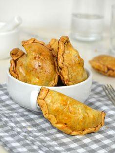 Empanadillas de pollo al horno Tasty, Yummy Food, Diy Food, Family Meals, Low Carb Recipes, Chicken Recipes, Food And Drink, Appetizers, Favorite Recipes