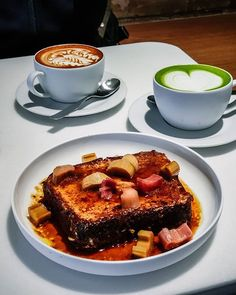 comes with the breakfast recommendation in Berlin: French toast with miso honey butter and rhubarb Berlin, Honey Butter, 3 Things, French Toast, Germany, Breakfast, Instagram, Food, Breakfast Cafe