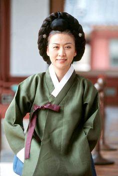 '웃자! 뒤집자! 놀자!' :: 조선시대 최고의 여성 전문직, 상궁