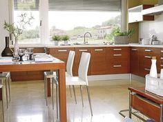 Cocina en madera de cerezo con office