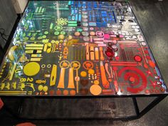 Objects in resin table