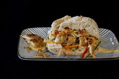 Recipe: Chicken Bánh Mì - a delicious Vietnamese sandwich (with vegan option, at foodistini.de)