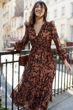 Read our interview with French style icon, Jeanne Damas, as she chats with us about her new fall Mango campaign. Read our interview with French style icon Jeanne Damas, in which she chatted with us about her new fall Mango campaign. Jeanne Damas, Fashion 2020, Runway Fashion, Fashion Women, 70s Fashion, Vintage Fall Fashion, Girl Fashion, Preteen Fashion, Mango Fashion