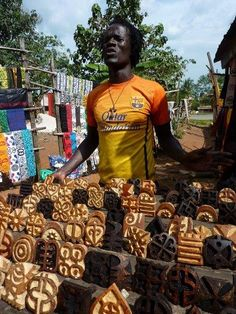 Adinkra printing in Kumasi - he made the cloth that is hanging in my house!!!!