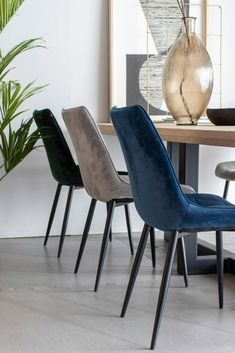 Eetkamerstoel Velours Rob Oker Geel   Oosterbaan Living Velvet Shop, Dining Chairs, Dining Room, Home Living Room, Decoration, Sweet Home, Home And Garden, Room Decor, House Design