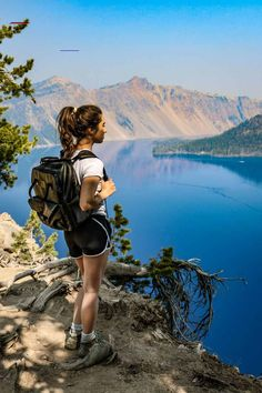 Hiker at Crater Lake - #craterlakenationalpark - Hiking is a great way to experience Oregon's Crater Lake National Park. Check out the best Crater Lake hikes in this post!... Crater Lake Hikes, Crater Lake Lodge, Crater Lake Oregon, Crater Lake National Park, Yosemite National Park, National Parks Map, National Park Posters, Oregon Road Trip, Oregon Travel