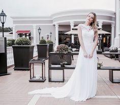"""1,302 curtidas, 13 comentários - ANABIESDORF.COM (@anabiesdorf) no Instagram: """"A plenitude de uma noiva que veste um @pronovias no seu grande dia 😌👰🏼✨disponivel na…"""""""