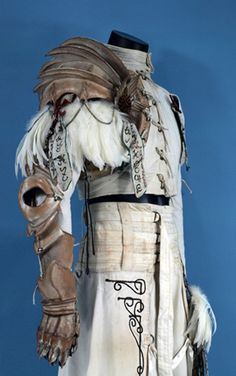 Elf costume which I think would be worn in the desert.Drow would look great in it as well I think