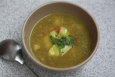 Netradičná cesnaková polievka s restovanými mandľami