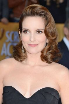 Tina Fey proves luscious curls still work on shoulder-length strands (SAG Awards 2013)