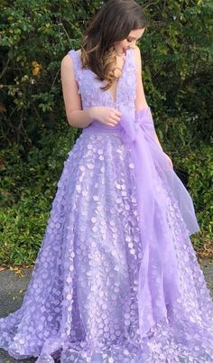 A Line Light Purple Tulle Long Prom Dress,Elegant V Neck Appliques Prom Dresses Prom Party Dresses, Occasion Dresses, Homecoming Dresses, Party Gowns, Wedding Dresses, Purple Lace, Purple Dress, Light Purple, Dresser