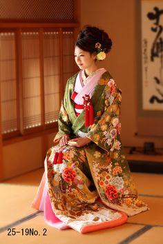 Iro-daKake | bridal gowns | three Matsuya -bridal house MIMATSUYA