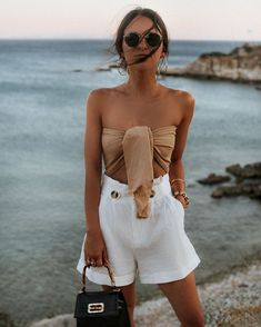 Summer Fashion Tips Spring summer fashion 2020 - white shorts - beach.Summer Fashion Tips Spring summer fashion 2020 - white shorts - beach Trendy Outfits, Summer Outfits, Cute Outfits, Fashion Outfits, Womens Fashion, Fashion Tips, Vacation Outfits, Fashion 2020, Picnic Outfits